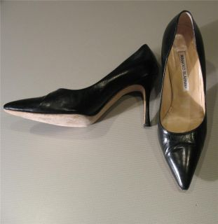Manolo Blahnik Black Leather Point Toe Classic Pump Shoe 37