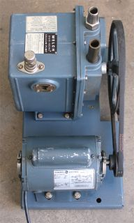 Welch 1402 Duoseal Belt Driven Rotary Vane Vacuum Pump