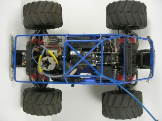 10 Scale Traxxas T Maxx Nitro 4 Wheel Drive Monster Truck with Radio