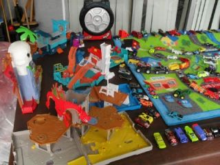 Huge Lot of 125 Cars Hot Wheels 5 Matchbox Playsets Sounds Case Large