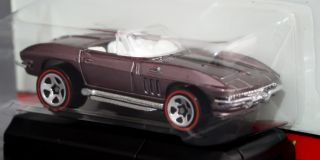 Hot Wheels Classics Series 2 1965 Corvette Convertible 3 of 30
