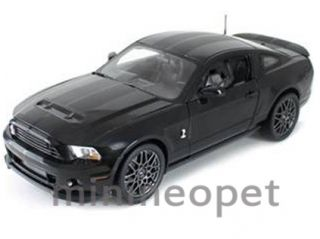 Collectibles 392 2013 Ford Shelby GT 500 SVT Cobra 1 18 Black w Black
