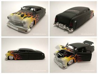 Mercury 1951 Coupe Hot Rod matt schwarz mit Flammen, Modellauto 124